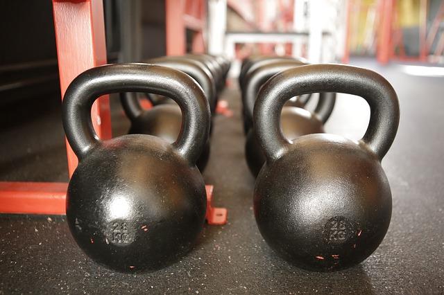 Kettlebell- Training zur Stärkung von Kraftausdauer, Beweglichkeit, Koordination und Muskeldefinition